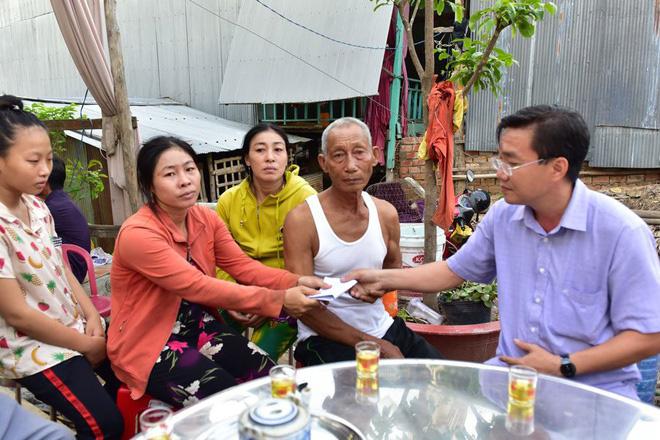 Chính quyền hỗ trợ gia đình 3 người chết đuối thương tâm khi tắm kênh - Ảnh 1.