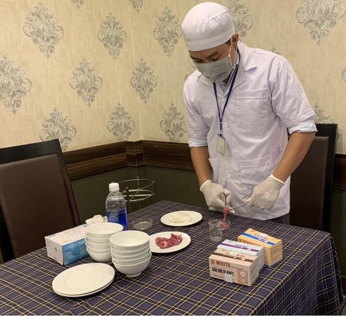 Đắk Lắk: Gần 33% cơ sở sản xuất, kinh doanh dịch vụ ăn uống chưa đạt yêu cầu - Ảnh 1.