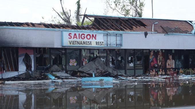 Nhà hàng Việt ở Mỹ bị thiêu rụi trong biểu tình - Ảnh 1.