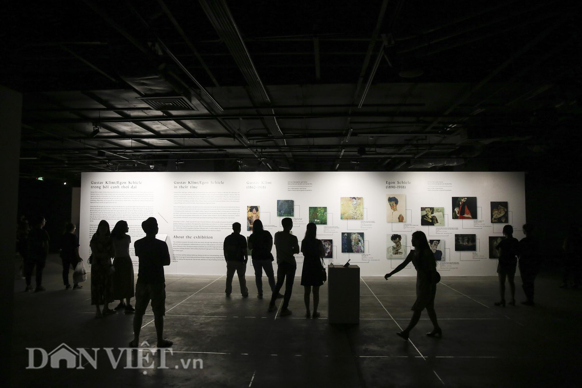 Chiêm ngưỡng những kiệt tác hội họa trăm năm, giá trăm triệu USD tại Hà Nội - Ảnh 1.