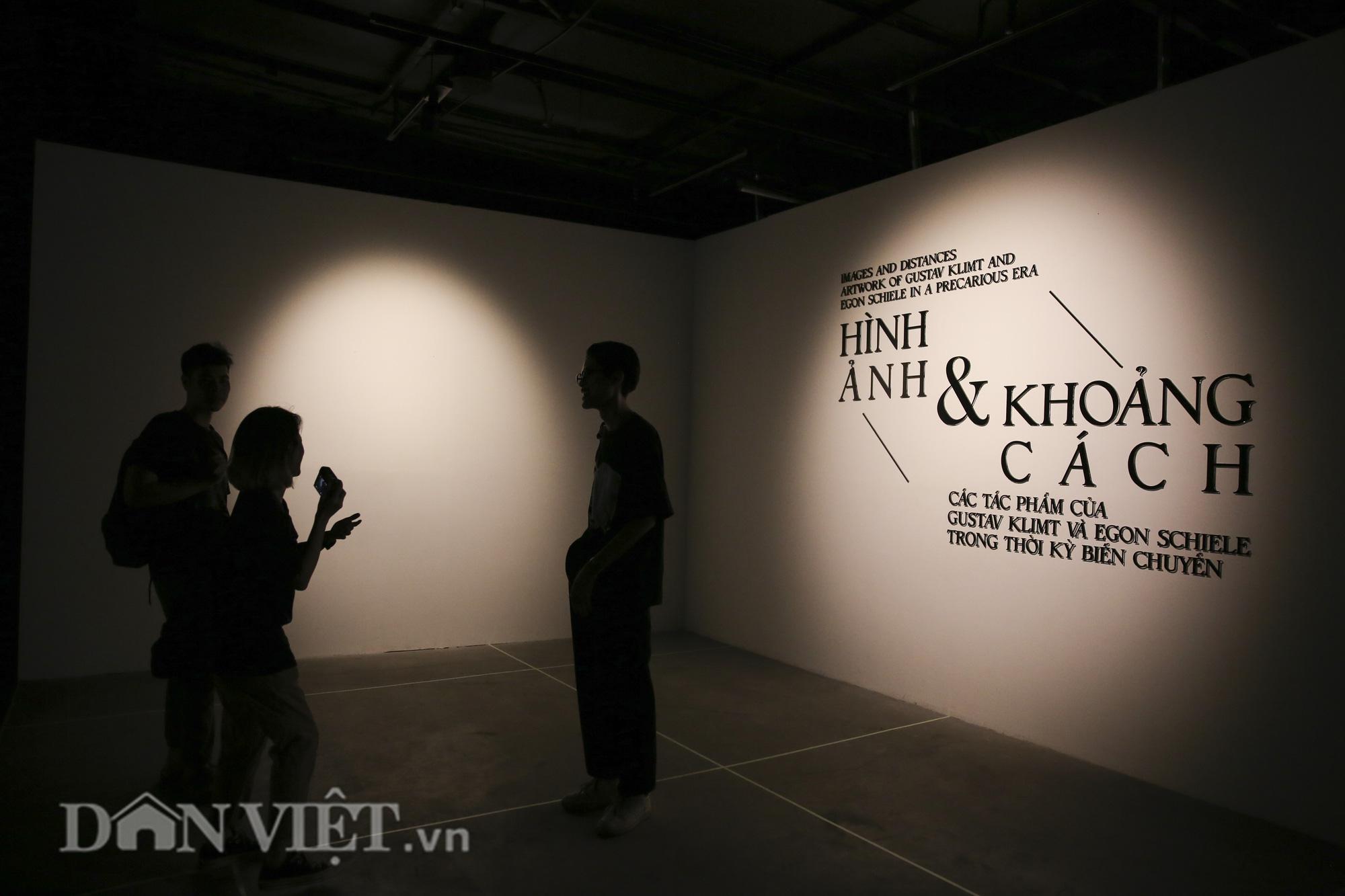 Chiêm ngưỡng những kiệt tác hội họa trăm năm, giá trăm triệu USD tại Hà Nội - Ảnh 12.