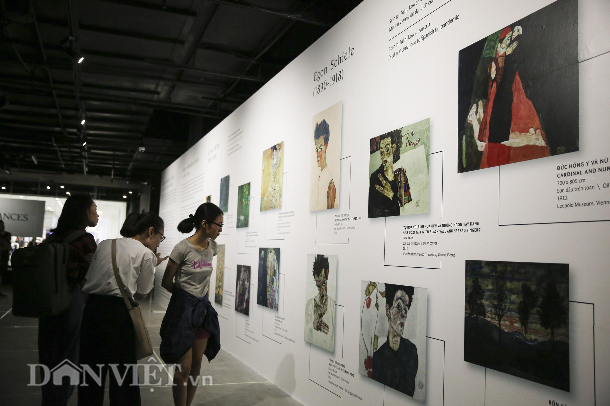Chiêm ngưỡng những kiệt tác hội họa trăm năm, giá trăm triệu USD tại Hà Nội - Ảnh 8.