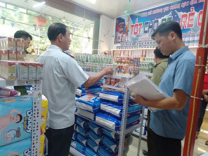 Hà Nội: Tăng cường kiểm tra an toàn vệ sinh thực phẩm trong mùa hè - Ảnh 1.