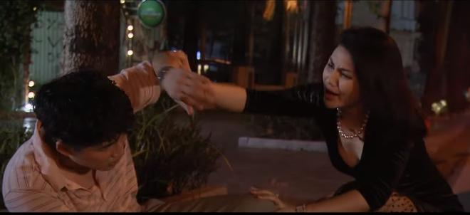 """Phim Những ngày không quên tập 46: Khoa """"gà"""" uống rượu say bất ngờ dính bẫy tình với """"chị đại""""? - Ảnh 4."""
