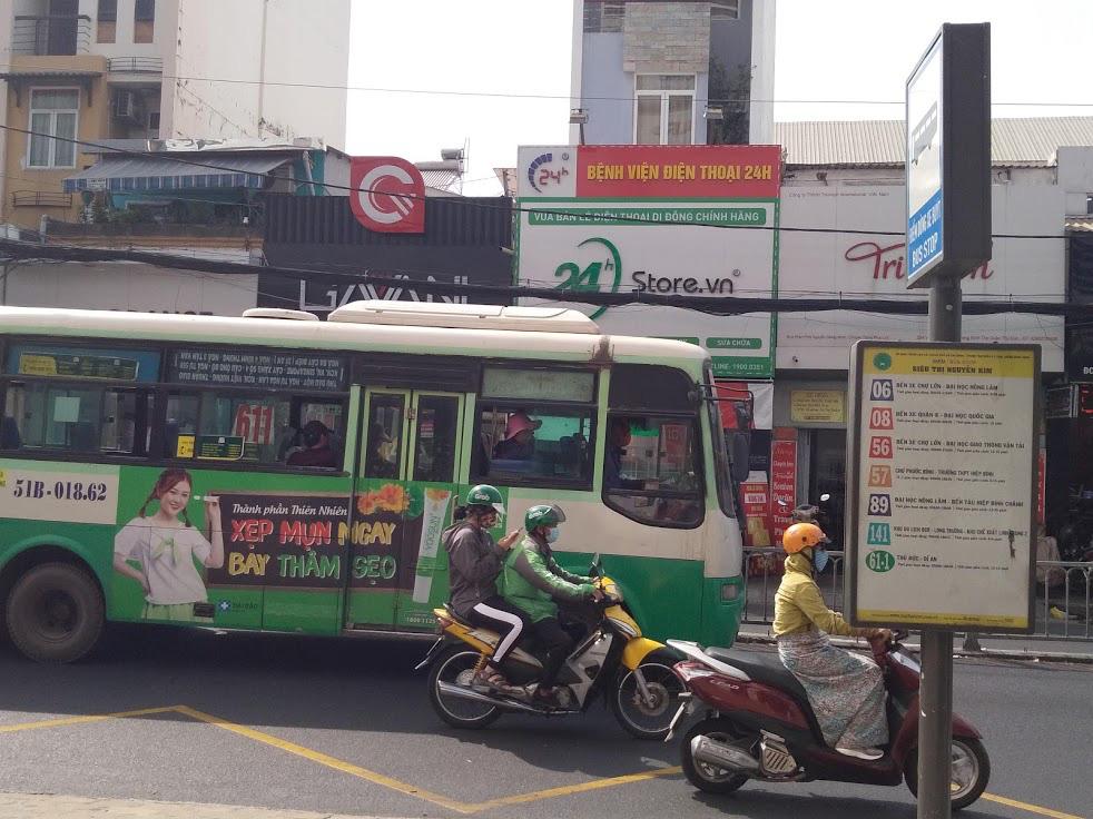 Giao thông ở Sài Gòn giờ đã khác - Ảnh 1.