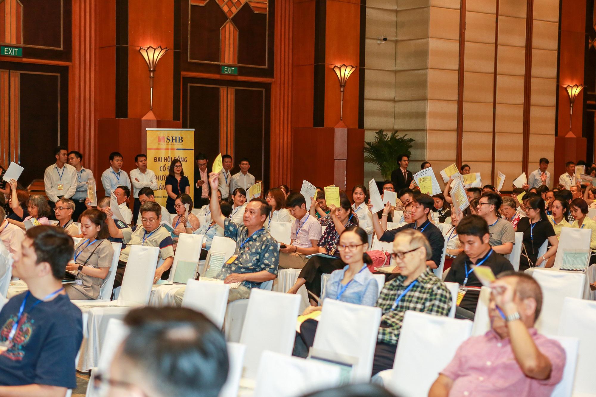 """Chủ tịch SHB Đỗ Quang Hiển """"tiết lộ"""" điều kiện lựa chọn nhà đầu tư cho SHB FC - Ảnh 1."""