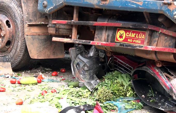 Khởi tố vụ ô tô tải tông chết 5 người trước chợ - Ảnh 1.