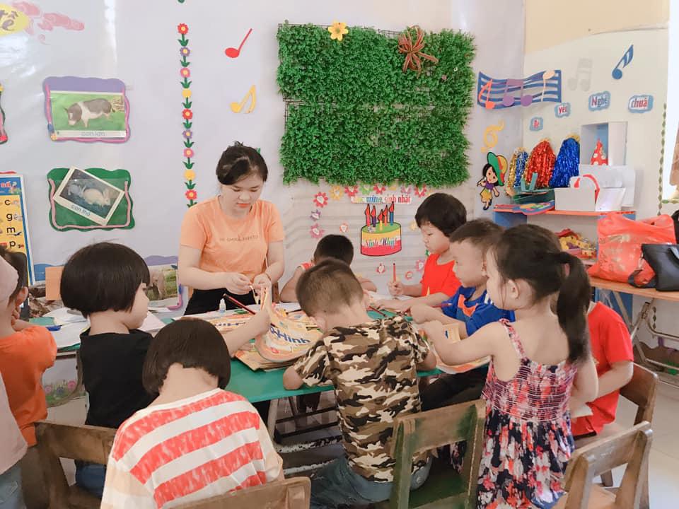 Đề xuất là nghề nặng nhọc, giáo viên mầm non sẽ được hưởng những ưu đãi gì? - Ảnh 1.