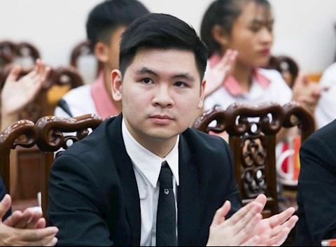 Chủ tịch Hà Nội FC Đỗ Vinh Quang cho hay sẵn sàng hỗ trợ SC Heerenveen trả lương cho Đoàn Văn Hậu.