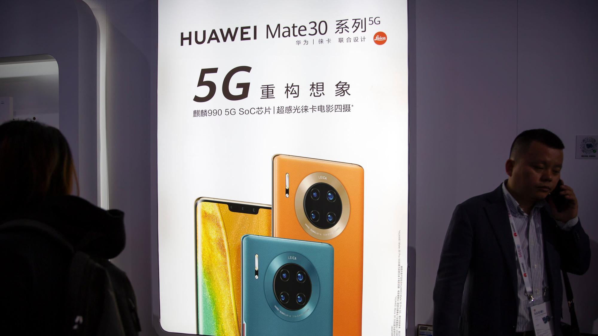 """Bị Mỹ """"đàn áp"""", Huawei tạm dừng sản xuất dòng smartphone mới nhất - Ảnh 1."""
