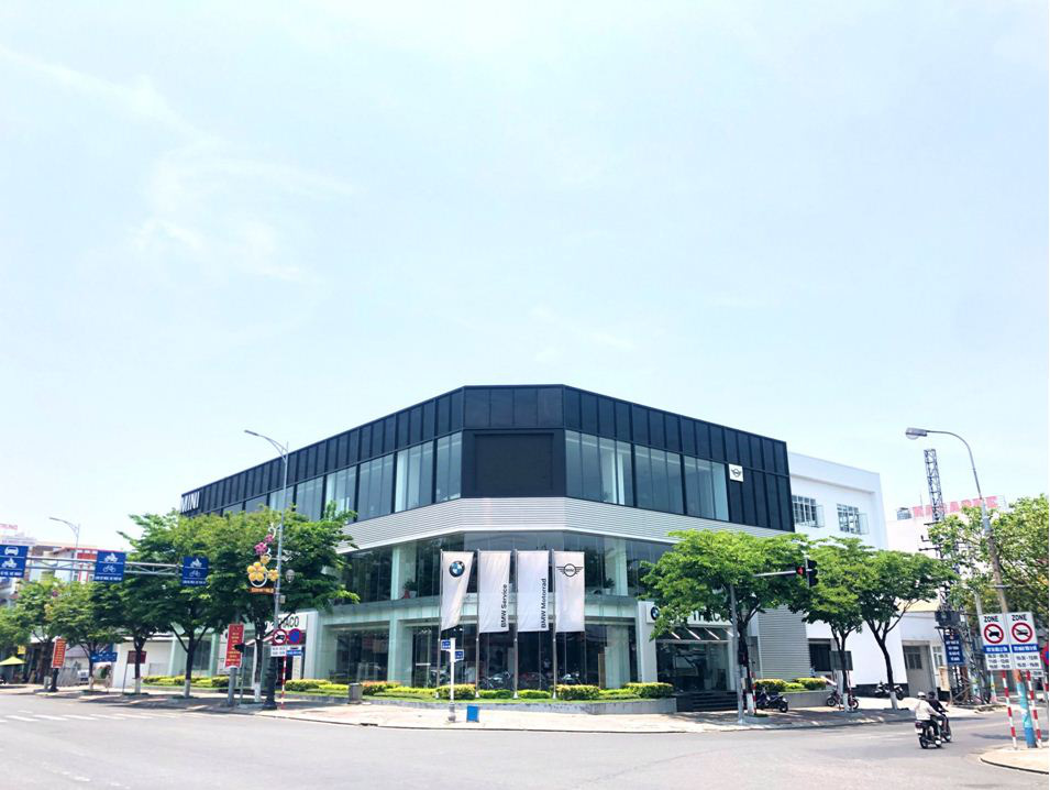 Không gian trưng bày chuẩn quốc tế củashowroom BMW Đà Nẵng - Ảnh 1.