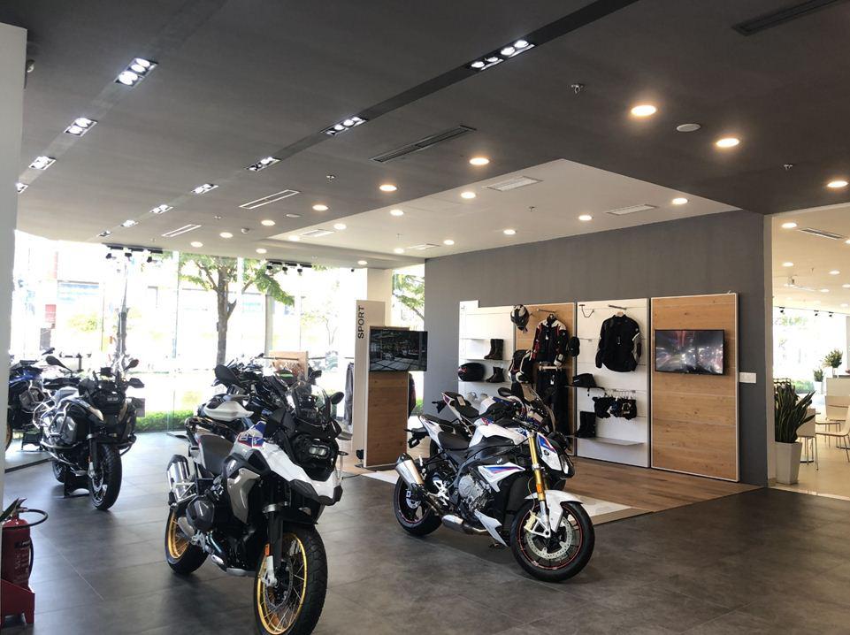 Không gian trưng bày chuẩn quốc tế củashowroom BMW Đà Nẵng - Ảnh 4.