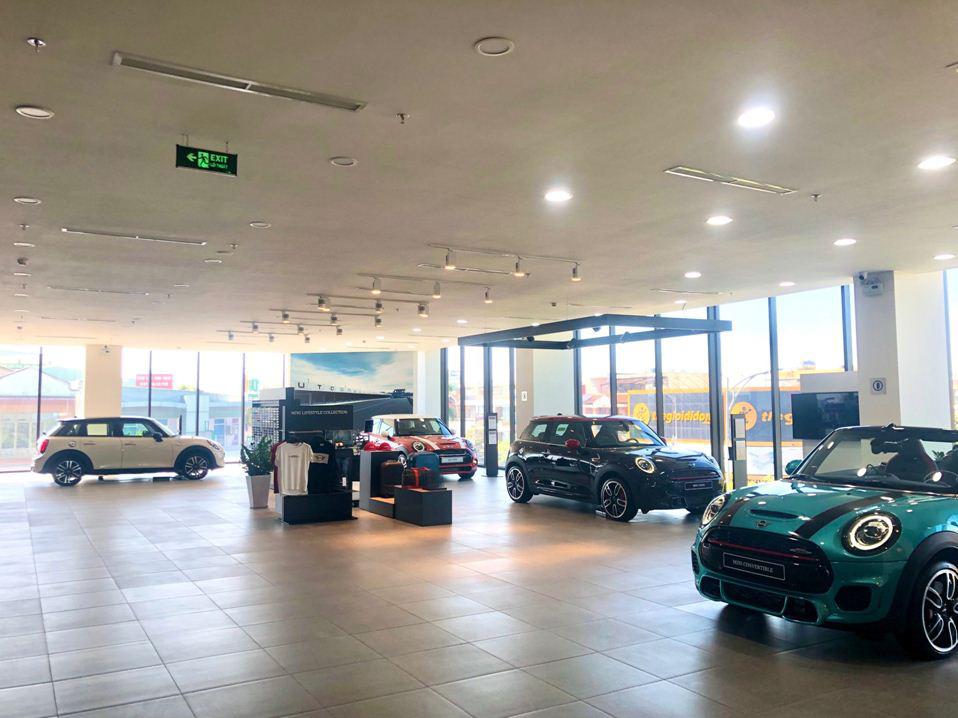 Không gian trưng bày chuẩn quốc tế củashowroom BMW Đà Nẵng - Ảnh 5.