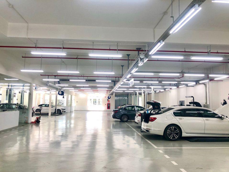 Không gian trưng bày chuẩn quốc tế củashowroom BMW Đà Nẵng - Ảnh 6.
