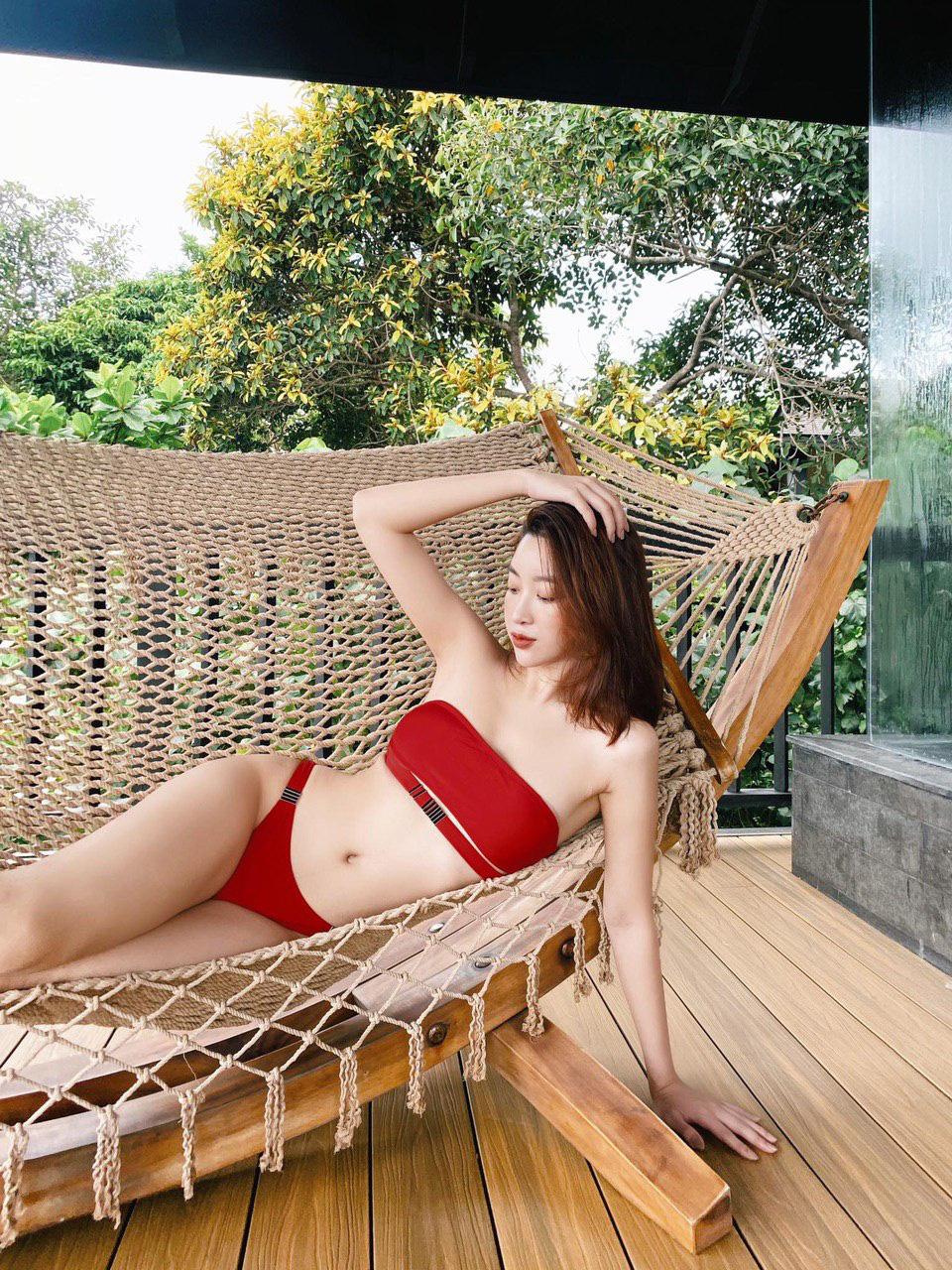 """Đỗ Mỹ Linh hiếm hoi mặc bikini quyến rũ hút mắt khiến dân mạng """"thổn thức"""" - Ảnh 3."""