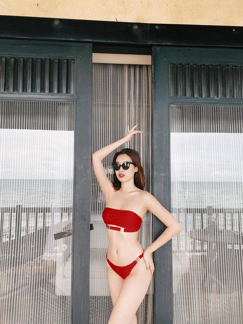 """Đỗ Mỹ Linh hiếm hoi mặc bikini quyến rũ hút mắt khiến dân mạng """"thổn thức"""" - Ảnh 4."""
