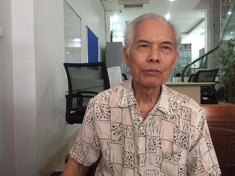 """Hà Nội: Dân bức xúc về đoạn đường cứ mưa là biến """"thành sông"""" - Ảnh 4."""
