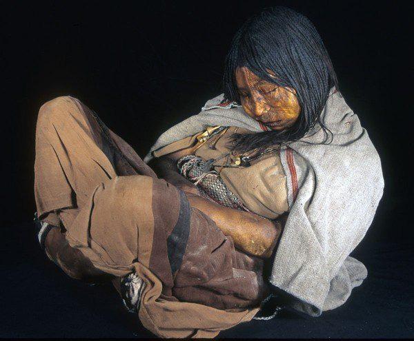 7 nghi lễ hiến tế người sống rùng rợn nhất thế giới - Ảnh 7.