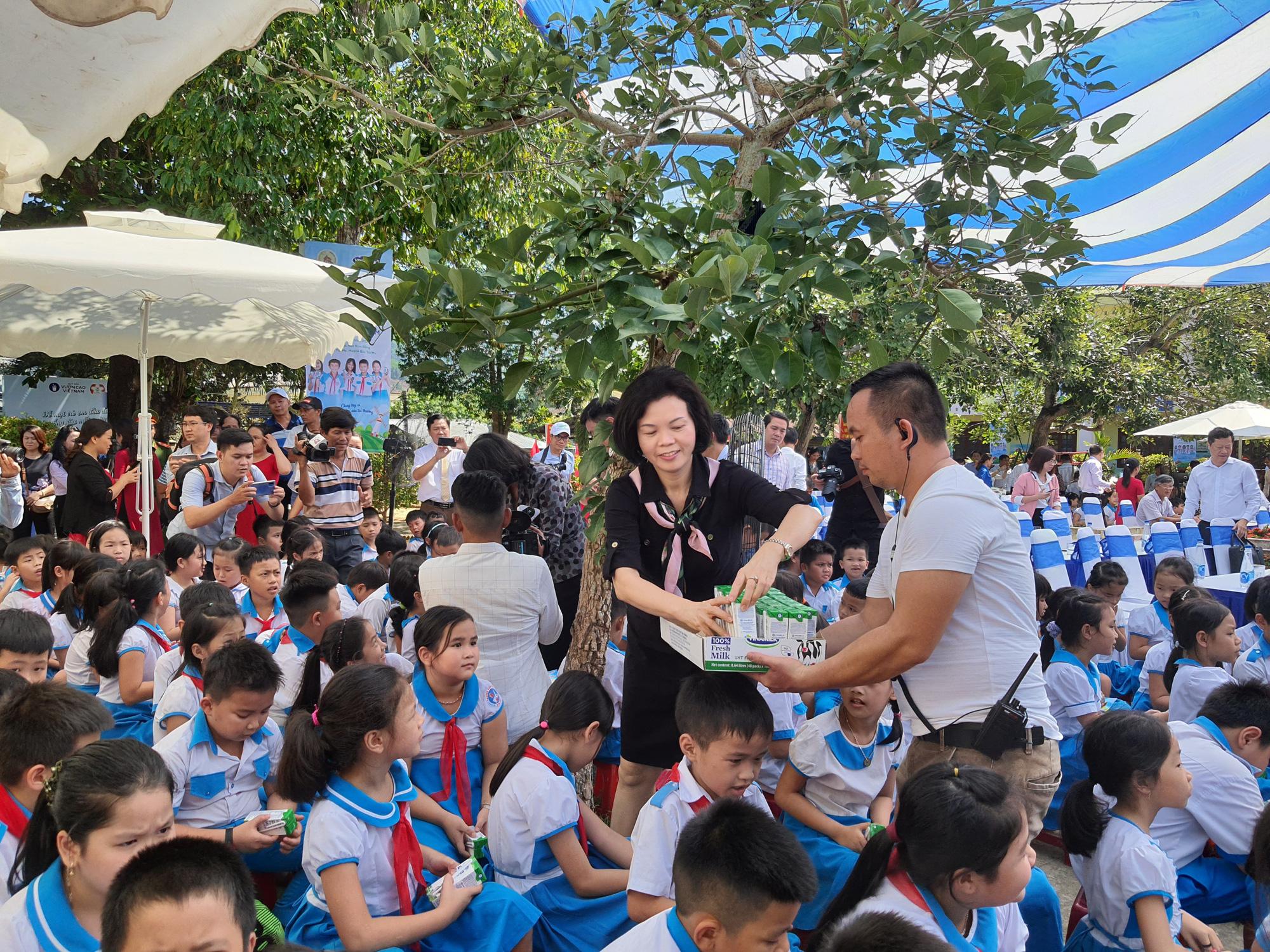 Quảng Nam: Hơn 34.000 trẻ em miền núi, khó khăn được uống Sữa học đường - Ảnh 5.