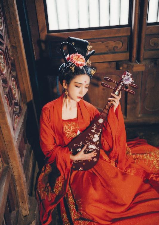 Chết bởi một nhát dao, phi tử đầu tiên trong lịch sử Trung Hoa bị Hoàng đế rút xương làm đàn tì bà - Ảnh 2.