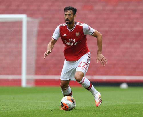 Arsenal mua đứt Martri.