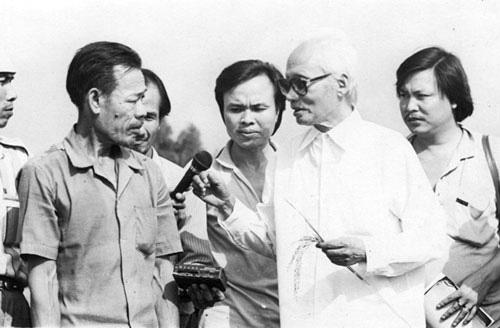 Kỷ niệm đời làm báo: Thủ tướng Phạm Văn Đồng nhắc tôi nên giữ thói quen khóa cổ xe máy - Ảnh 2.