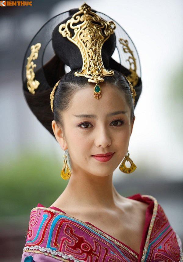 Bà hoàng Trung Quốc độc ác không sinh được con trai, giết sạch con vua - Ảnh 4.