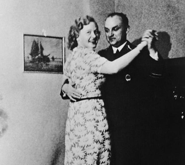 """Nữ đồ tể khát máu của Hitler có biệt danh """"con quỷ"""" - Ảnh 1."""