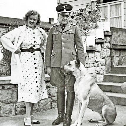 """Nữ đồ tể khát máu của Hitler có biệt danh """"con quỷ"""" - Ảnh 2."""