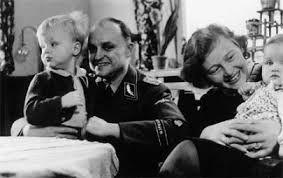 """Nữ đồ tể khát máu của Hitler có biệt danh """"con quỷ"""" - Ảnh 4."""