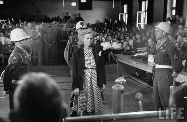 """Nữ đồ tể khát máu của Hitler có biệt danh """"con quỷ"""" - Ảnh 8."""