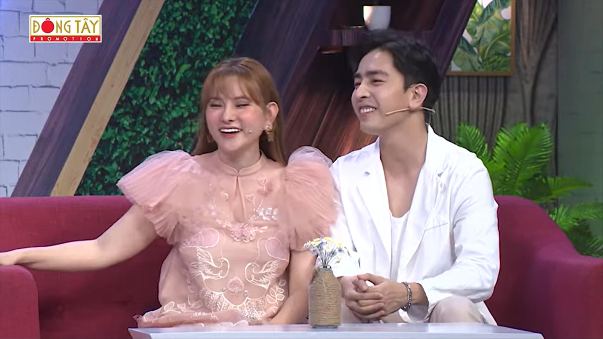 HOT showbiz: Khánh Thi vượt qua tin đồn chồng trẻ kém 12 tuổi ngoại tình thế nào? - Ảnh 5.