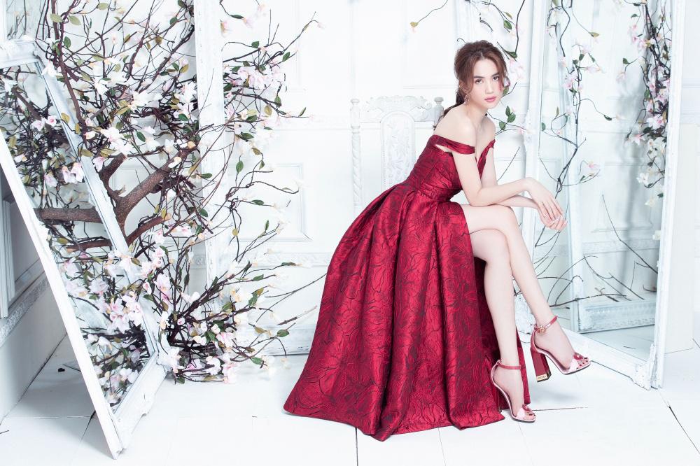 """Ngọc Trinh mặc váy xuyên thấu đẹp như công chúa bị """"soi"""" chi tiết kém duyên - Ảnh 10."""