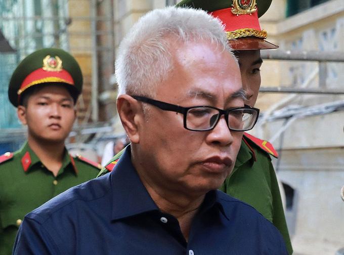 Ông Trần Phương Bình hầu tòa - Ảnh 1.