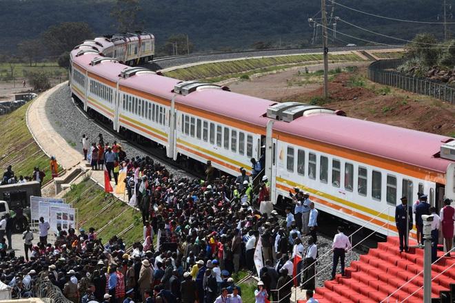 Tòa Kenya phán dự án đường sắt Trung Quốc thi công là bất hợp pháp - Ảnh 1.