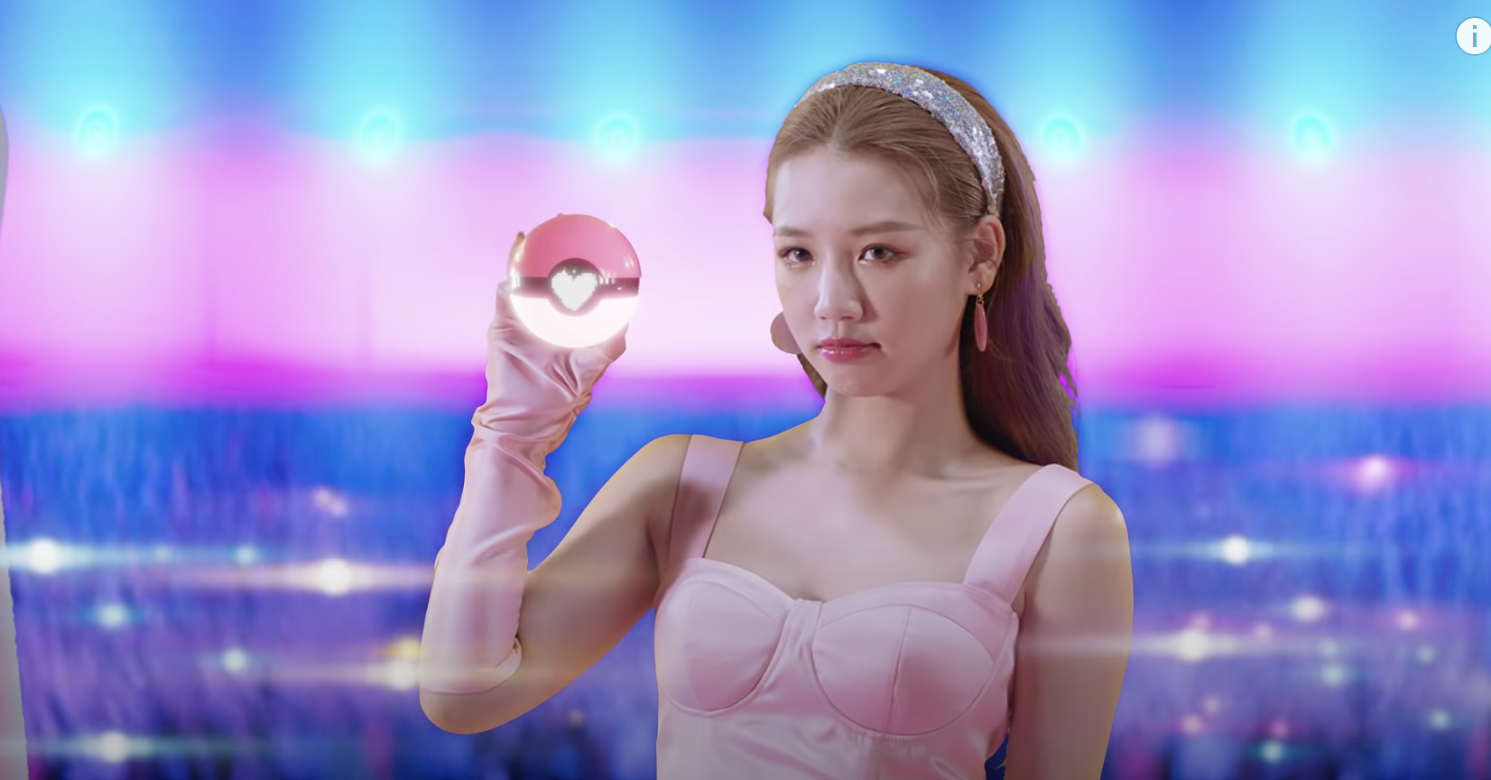 Amee hóa thân thành nhiều nhân vật game trong MV mới - Ảnh 1.