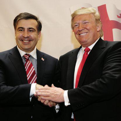 Ông Saakashvili tiết lộ hai lần cùng Trump đi hộp đêm - Ảnh 1.