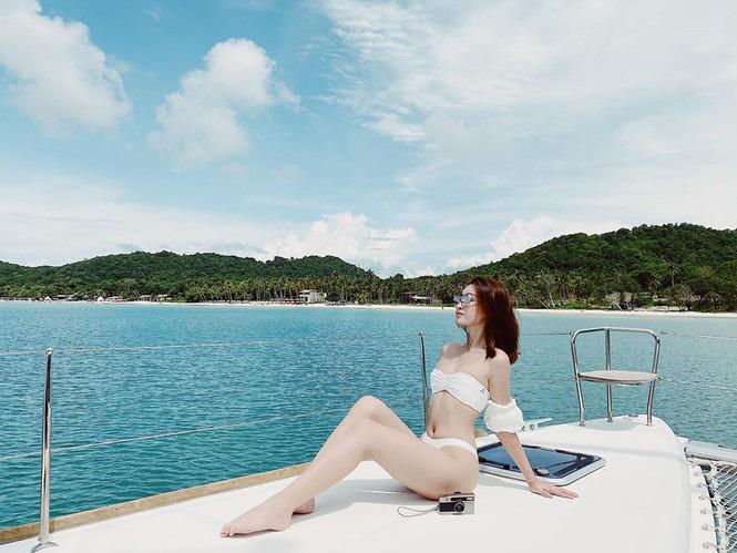 """Phương Trinh Jolie mặc mốt """"quên"""" nội y, Lan Khuê gây """"sốt"""" vì dáng đẹp như tranh - Ảnh 9."""