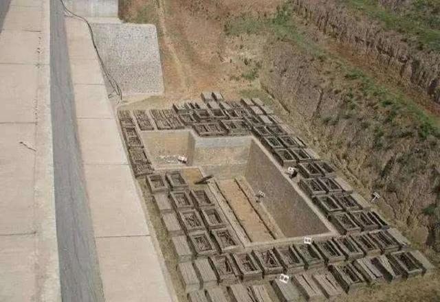 """Lần đầu tiên trong lịch sử, các chuyên gia phải nhờ đến kẻ đạo mộ """"giải cứu"""" bảo vật quốc gia bị kẹt trong mộ - Ảnh 1."""