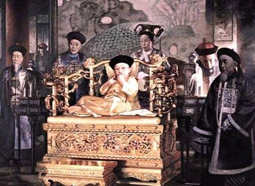 Vị Hoàng đế nhà Thanh đoản mệnh nhất, cả cuộc đời bi thương dưới quyền lực của người mẹ - Ảnh 2.