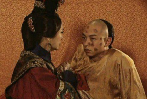 Vị Hoàng đế nhà Thanh đoản mệnh nhất, cả cuộc đời bi thương dưới quyền lực của người mẹ - Ảnh 3.