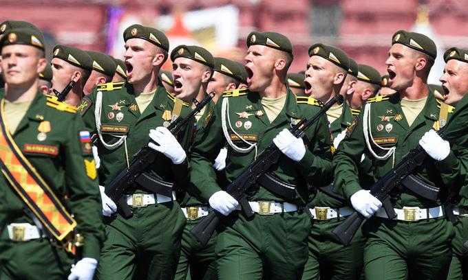Hai thông điệp Nga phát đi từ lễ Duyệt binh Chiến thắng - Ảnh 3.