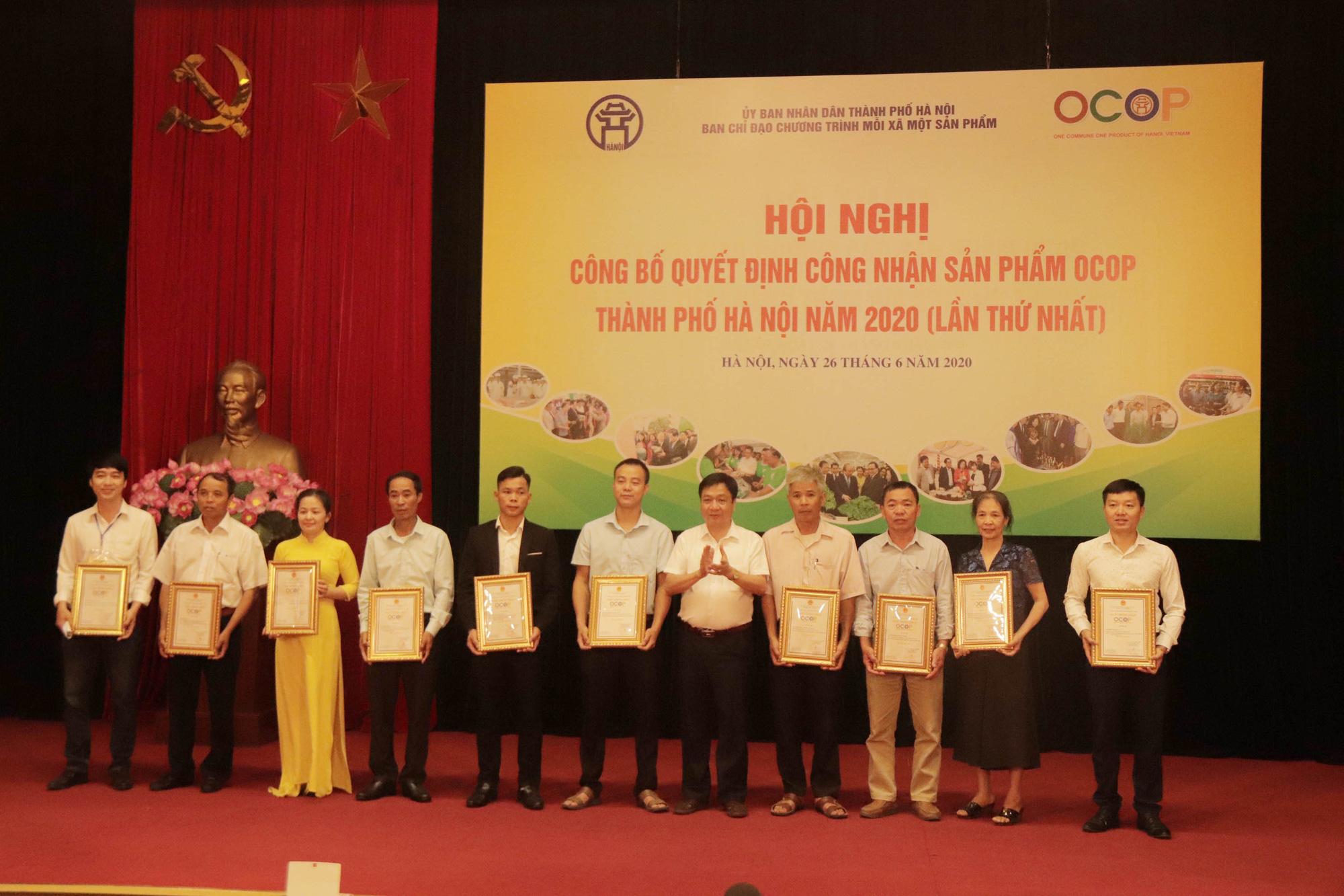 Hà Nội: Quyết định công nhận 301 sản phẩm đạt sao OCOP, cơ hội thúc đẩy tiêu thụ sản phẩm - Ảnh 1.