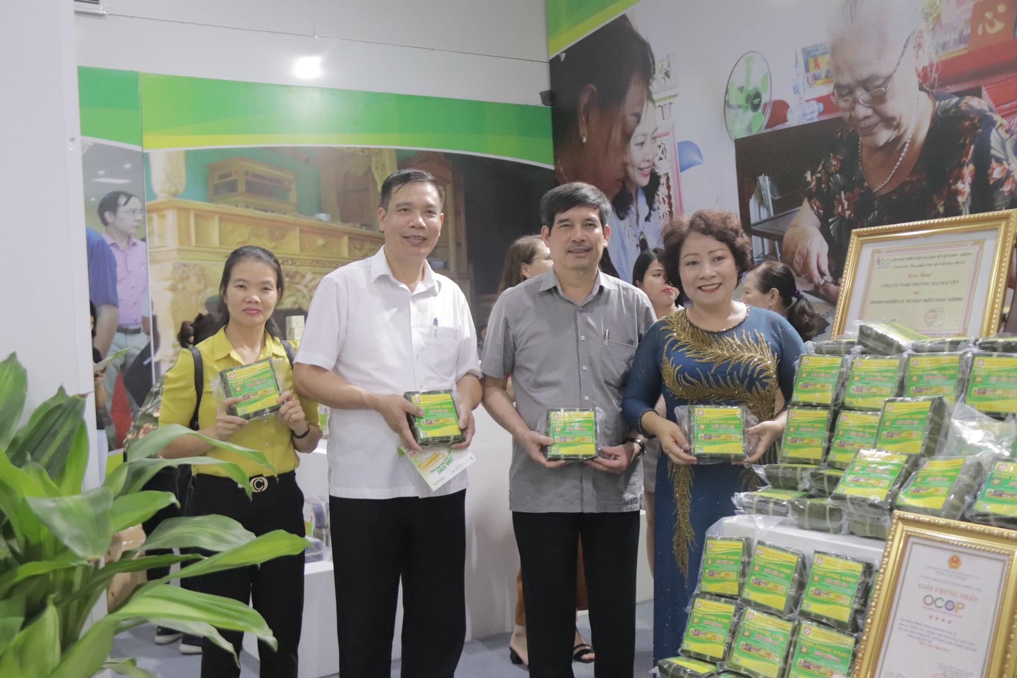 Hà Nội: Quyết định công nhận 301 sản phẩm đạt sao OCOP, cơ hội thúc đẩy tiêu thụ sản phẩm - Ảnh 3.