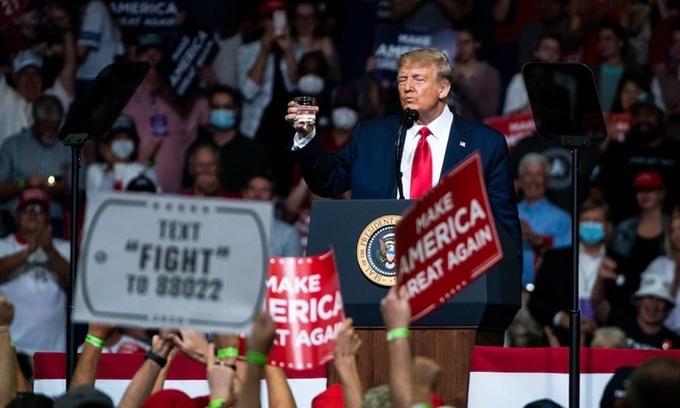 Trump nỗ lực dập hình ảnh yếu đuối - Ảnh 1.
