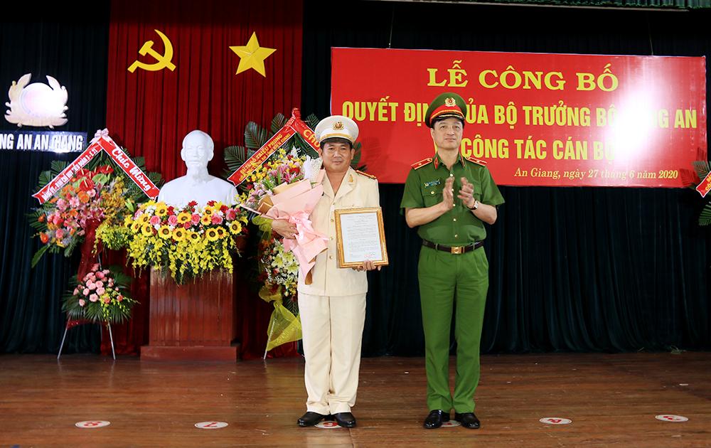Phó Giám đốc Công an Cần Thơ làm Giám đốc Công an An Giang thay Tướng Bùi Bé Tư - Ảnh 2.