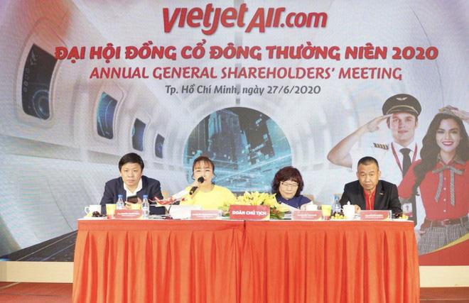 """""""Trở lại bầu trời"""", Vietjet đặt mục tiêu 20 triệu khách từ nay đến cuối năm 2020 - Ảnh 1."""