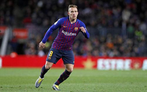 Arthur rời Barcelona