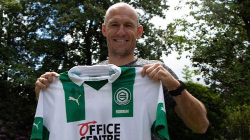 Robben tái xuất.