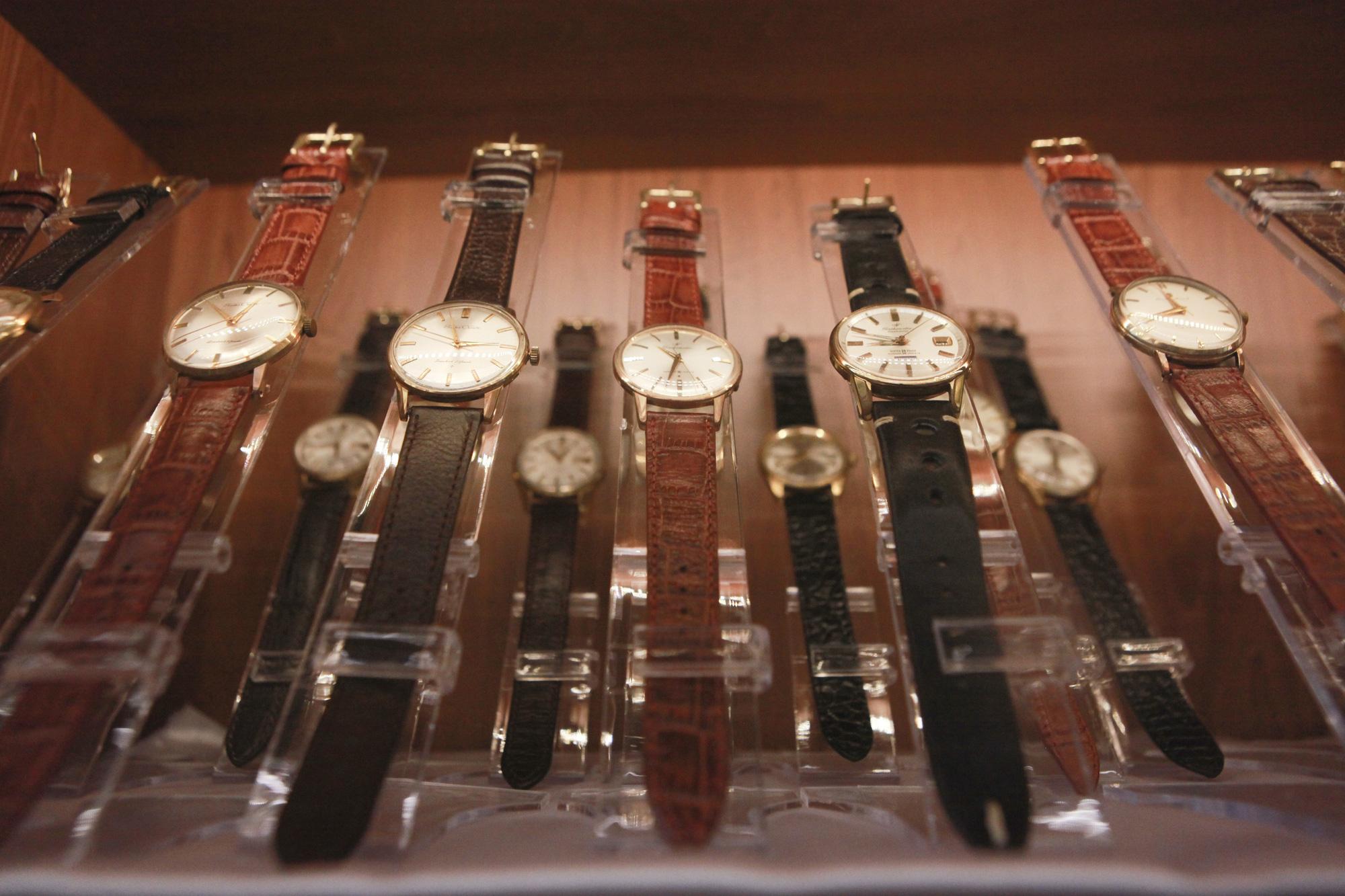 """Ông lão Hà thành và bộ sưu tập đồng hồ """"cực khủng"""", đặc biệt có chiếc có khả năng dự báo... """"bão"""" - Ảnh 10."""